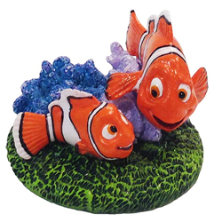 Disney Finding Dory Nemo and Marlin with Coral Aquarium Statue Nemo & Marlin Multi-Color 1ea/Small